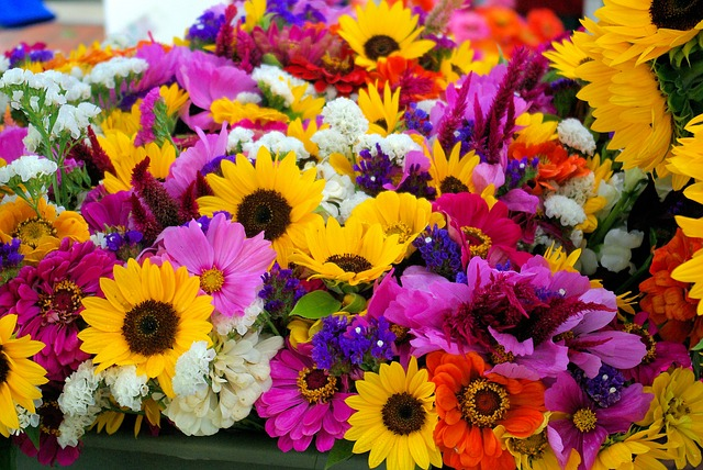 farmers-market-mixed-flowers-3777733_640